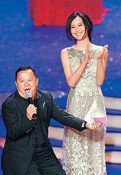 曾志伟(左)被指出千万利诱陈法拉,但可能还是会输给陈慧琳的经理人钟珍。